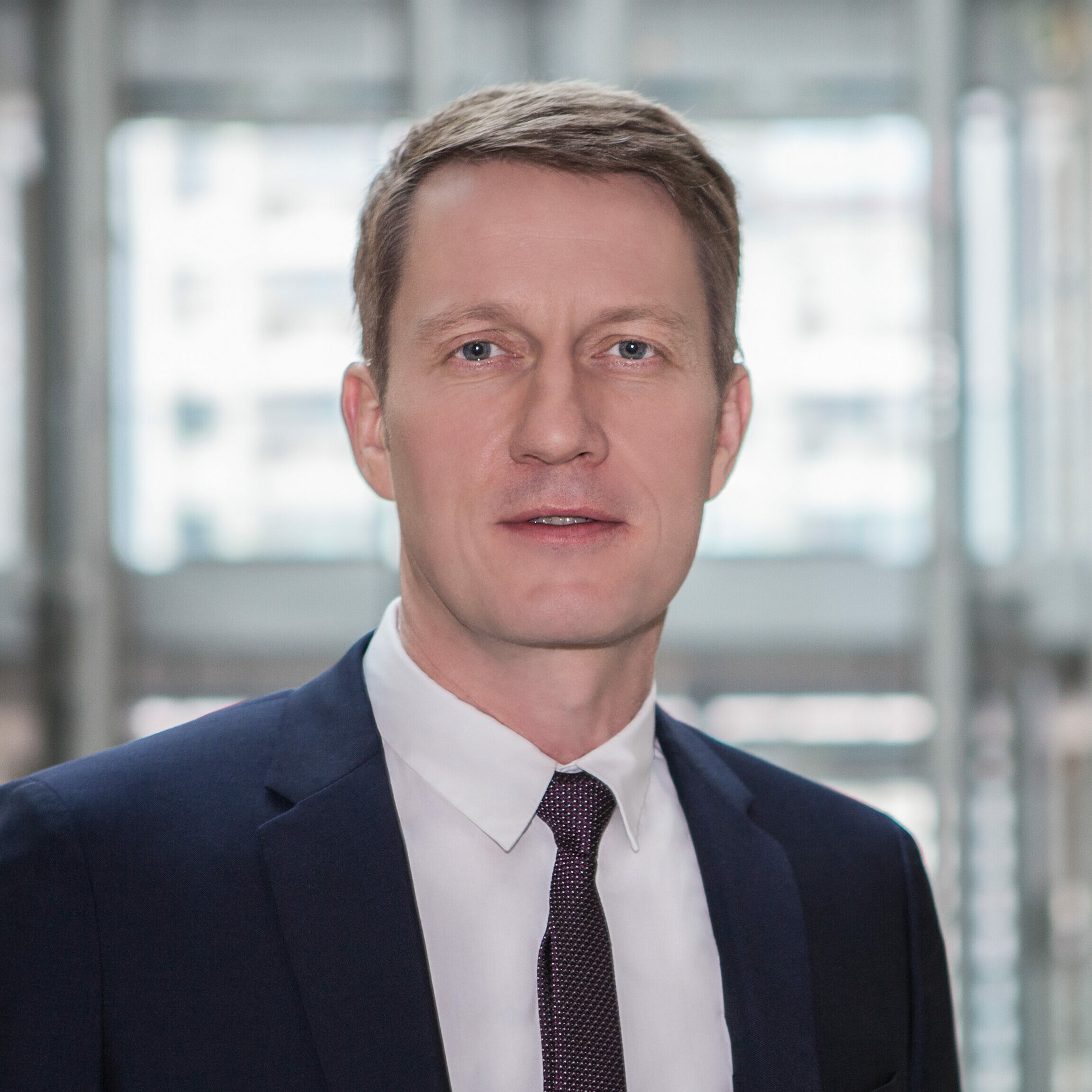 Dr. Bernd Nauen